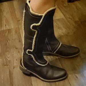Timberland Tall Brown Boots w/fur